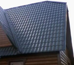 Крыша под металлочерепицей