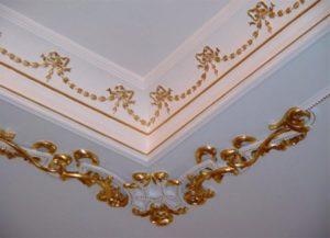 Декор лепниной с росписью