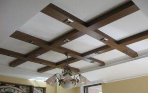 декор деревянными балками