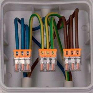 Прокладка и соединения проводников