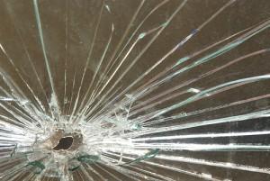 Как заменить разбитое стекло на даче